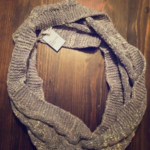 NWT SUPERSOFT infinity scarf